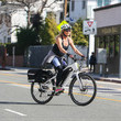 Goldie Hawn Kurt Russell And Goldie Hawn Ride Bikes In L.A.