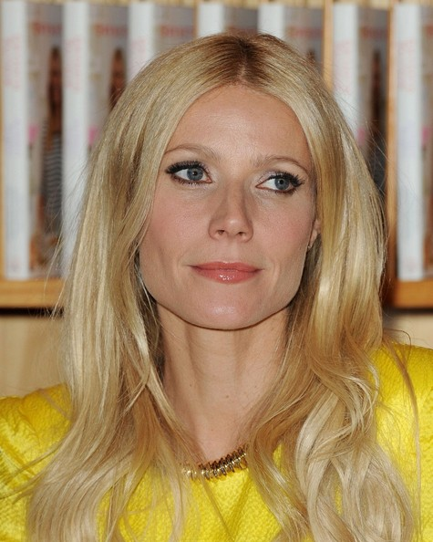 "Gwyneth Paltrow Gwyneth Paltrow launches cookbook ""My Father's Daughter"".Williams-Sonoma, Beverly Hills, CA.April 21, 2011."