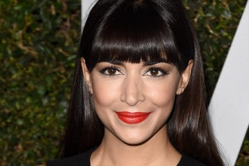 Hannah Simone Arrivals at the 'Young Hollywood' Event