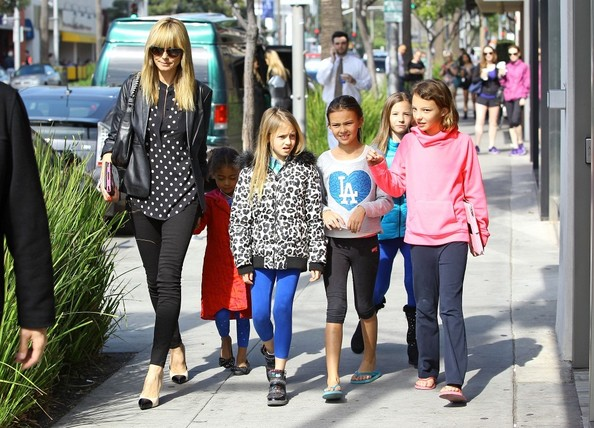 heidi klum and kids at starbucks zimbio. Black Bedroom Furniture Sets. Home Design Ideas