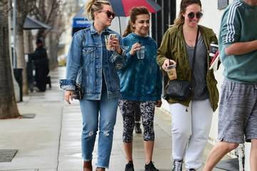 Hilary Duff Hilary And Haylie Duff Step Out In L.A.