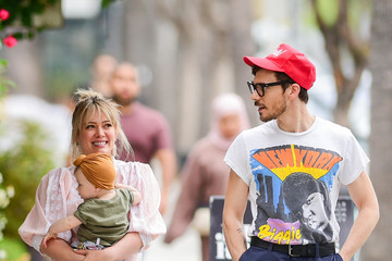 Hilary Duff Matthew Koma Hilary Duff And Matthew Koma Are Seen Out In Los Angeles