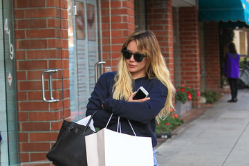 Hilary Duff Hilary Duff Is Seen Out Shopping