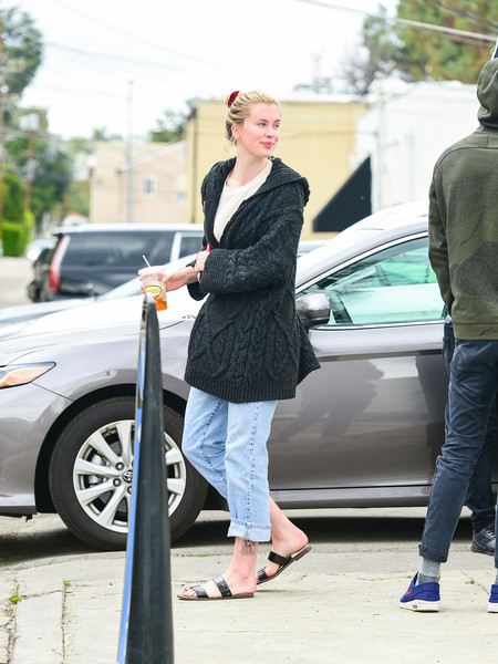 Ireland Baldwin Goes Shopping In Studio City