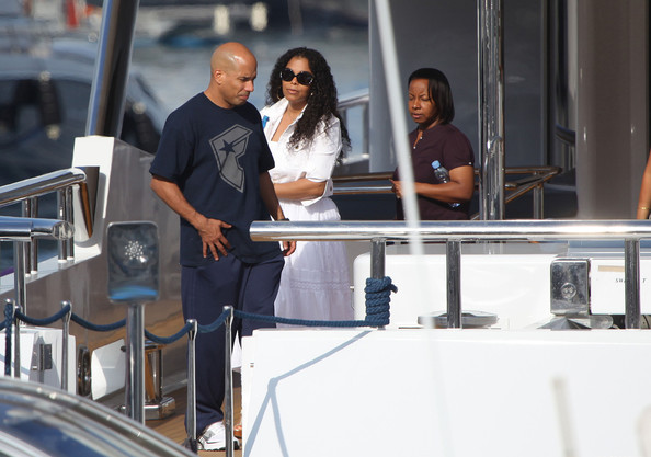 jermaine dupri and janet jackson. Singer Janet Jackson spends some time on a yacht with her boyfriend Jermaine Dupri, her brother Jermaine Jackson, and his wife Halima Rashid.