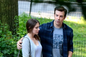 Jason Sudeikis Alison Brie Jason Sudeikis and Alison Brie Spotted on Set