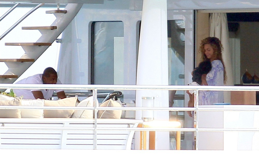 Beyonce Knowles Photos Photos Jay Z And Beyonce On A Yacht Zimbio