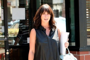 Jennifer Love Hewitt Jennifer Love Hewitt Runs Errands in Hollywood