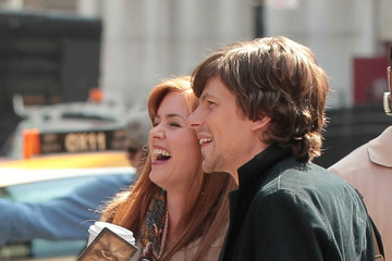 Isla Fisher Jesse Eisenberg Isla Fisher and Jesse Eisenberg Films 'Now Your See Me'