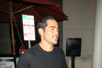 Jesse Metcalfe Jesse Metcalfe At Craig's Restaurant In West Hollywood