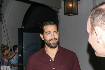 Jesse Metcalfe Jesse Metcalfe Outside Craig's Restaurant in West Hollywood