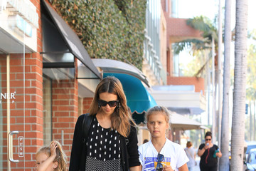 Jessica Alba Honor Warren Jessica Alba Goes Out With Her Girls