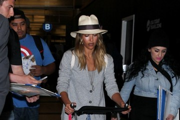 Jessica Alba Jessica Alba Spotted at LAX