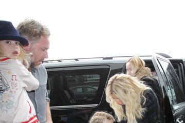 Jessica Simpson Jessica Simpson and Her Family Are Seen at LAX