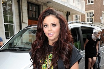 Jesy Nelson Little Mix Hands Out Free Ice Cream to Their Fans