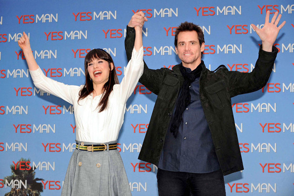 Yes man premieres in rome in this photo jim carrey zooey deschanel the