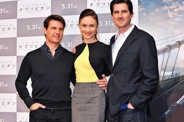 Joseph Kosinski 'Oblivion' Stars Promote Their Movie