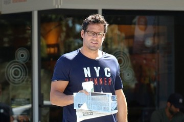 Josh Hopkins Josh Hopkins Grabs Some Starbucks