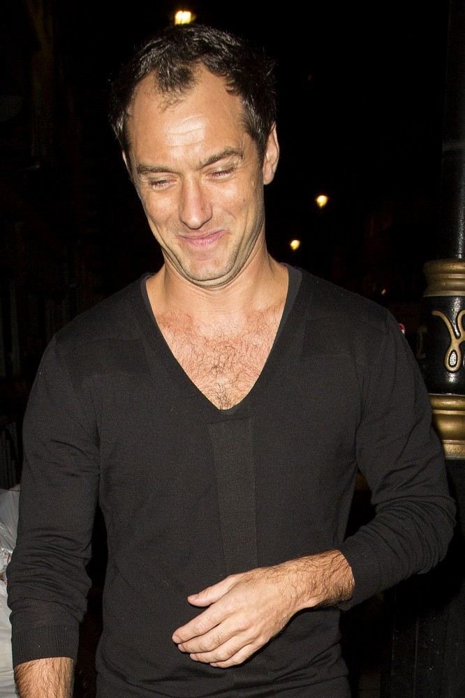 Jude Law Photos Photos - Jude Law in Soho - Zimbio Jude Law