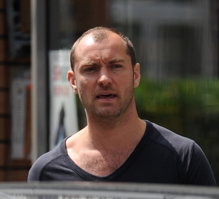 Jude Law Photos Photos Jude Law Out And About In London