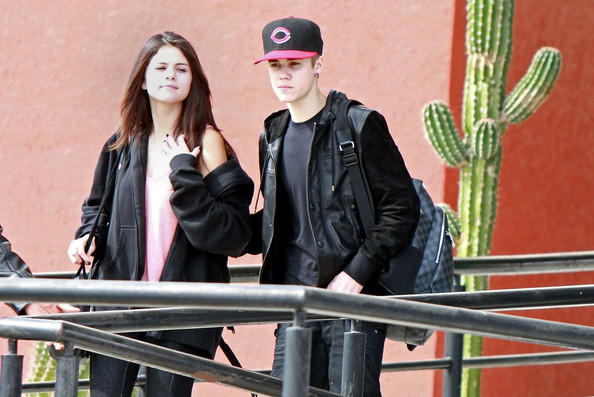 Justin Bieber - Justin Bieber and Selena Gomez in Mexico