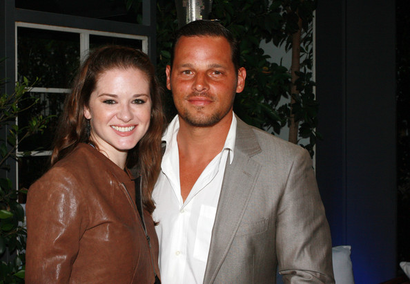 http://www1.pictures.zimbio.com/bg/Justin+Chambers+Sarah+Drew+Elevate+Hope+Foundation+r0OXYv2OIknl.jpg