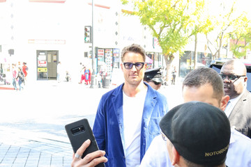 Justin Hartley Justin Hartley Outside Mandy Moore Hollywood Walk Of Fame Star Ceremony