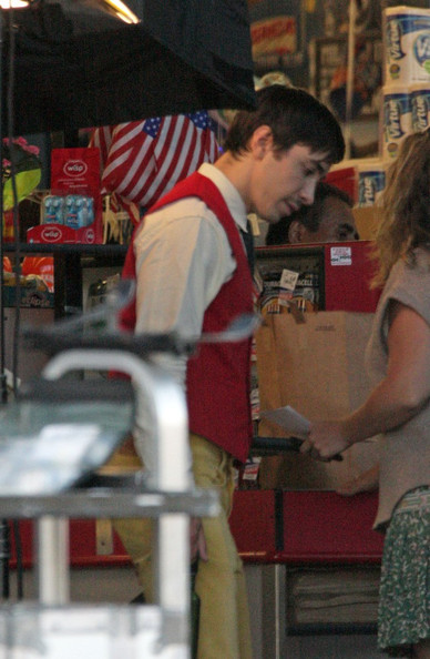 Justin Long films a scene at a grocery store in Glassell Park under the direction of co-star, and film's writer, Olivia Wilde. After they wrap up Justin and Olivia leave the set in separate vans.