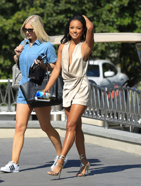 karrueche tran photos photos karrueche tran appears on extra