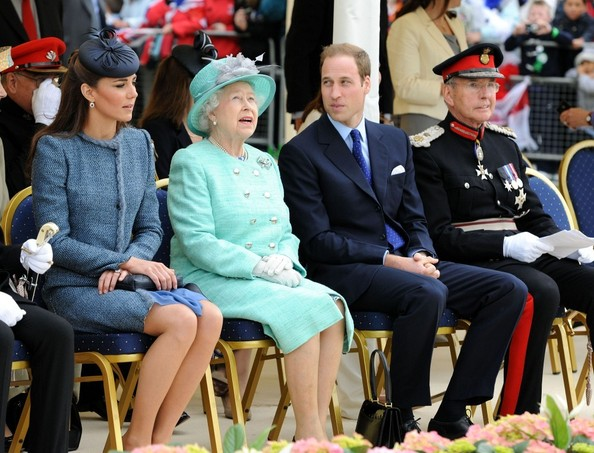 Kate Middleton and Queen Elizabeth II Photos Photos - Will and ...