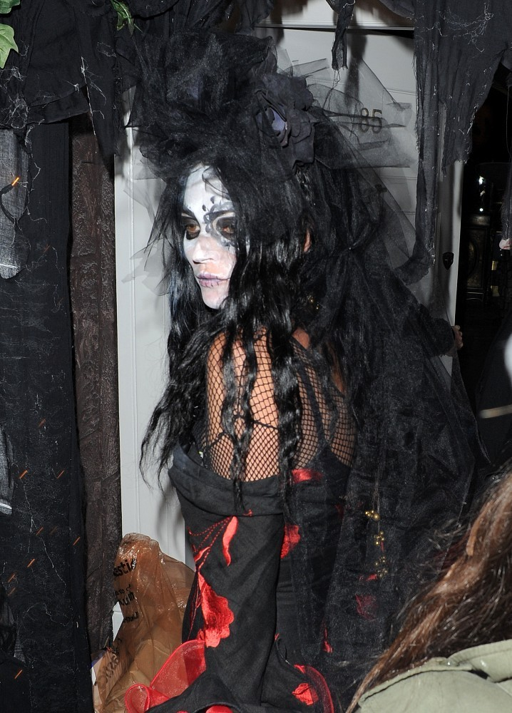 Celebs Attend Jonathan Ross' Halloween Party — Part 3