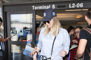 Kate Upton Kate Upton Is Seen at LAX