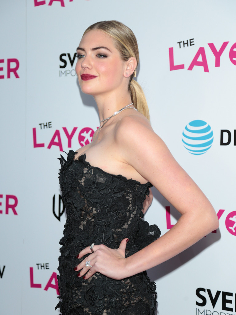 Kate+Upton+Premiere+DIRECTV+Vertical+Entertainment+FT7bQj5-SAqx.jpg