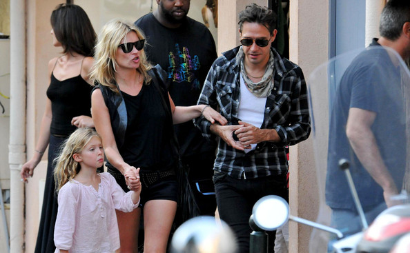 Kate Moss vacations with her daughter Lila Grace (b. September 29, 2002) and her boyfriend Jamie Hince.
