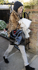 Kate Moss Kate Moss Carries Luggage in London