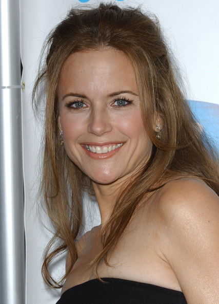 kelly preston 2016