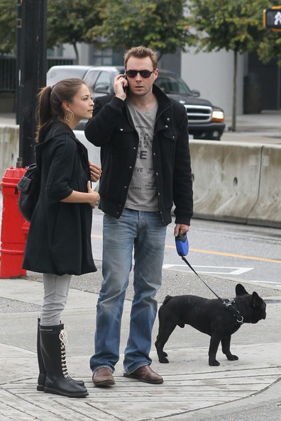 Kristin Kreuk Kristen Kreuk and boyfriend Mark Hildreth take their dog