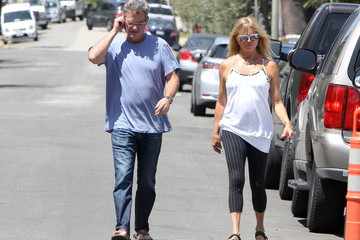 Kurt Russell Kurt and Goldie Go for a Stroll Together
