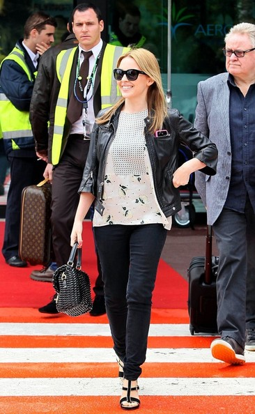 Kylie photos > candids, shoots, eventos... - Página 11 Kylie+Minogue+Kylie+Minogue+Lands+Cannes+chLChTKJpBVl