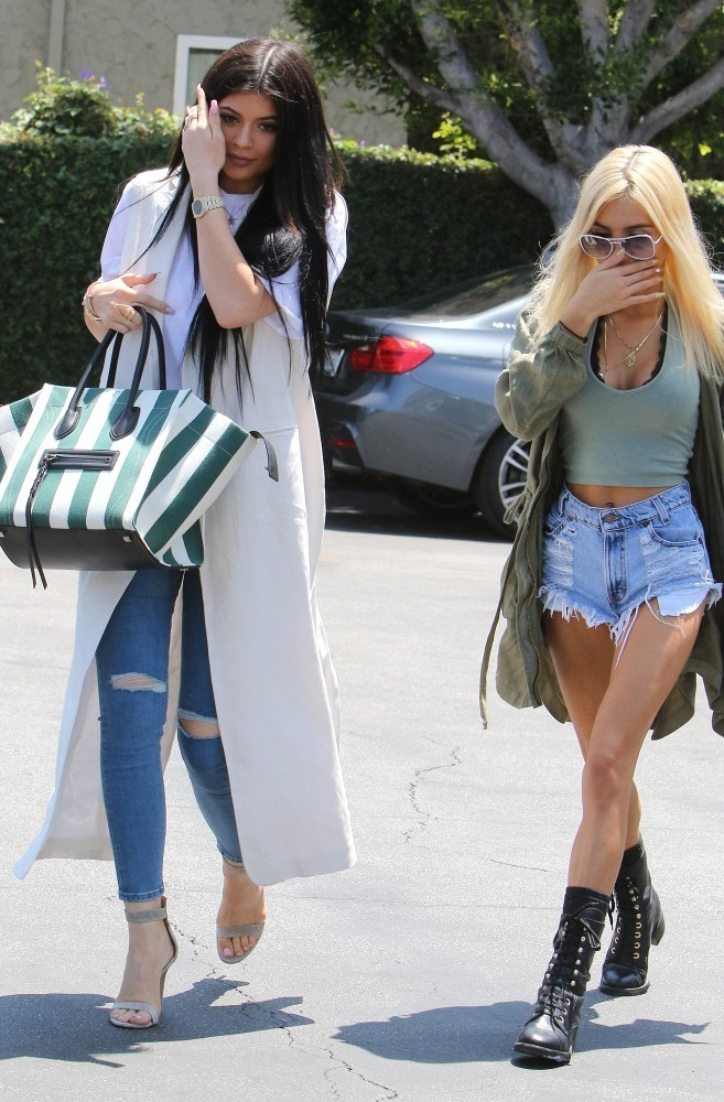 Kylie Jenner And Pia Mia Shop At Fred Segal 1 Of 9 Zimbio