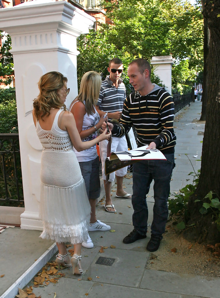 Kylie Minogue In Kylie Minogue Outside Her Home Zimbio