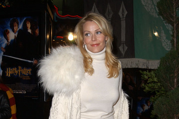 """Gail O'Grady LA premiere of """"Harry Potter and the Chamber of Secrets"""""""