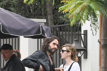 Laura Gallacher Russell Brand and Laura Gallacher Runs Errands in LA