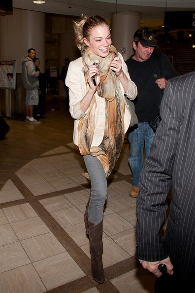 LeAnn Rimes LeAnn Rimes arrives at LAX (Los Angeles International Airport) looking super skinny.