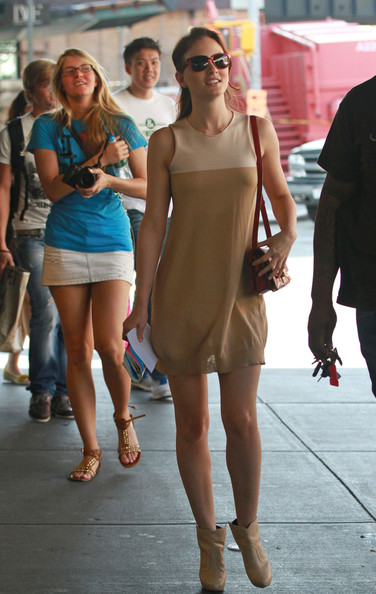 Leighton Meester A busy day on the set of 'Gossip Girl' at the Standard Hotel.