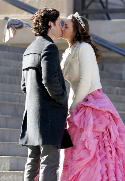Leighton Meester - The Set of 'Gossip Girl' 2