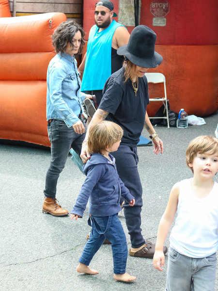 Linda Perry At The Farmer's Market