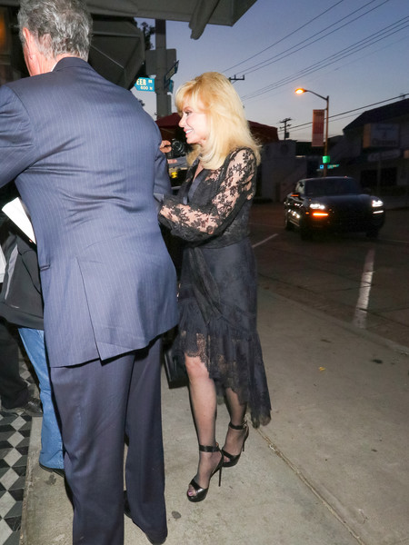 Loni Anderson Outside Craig's Restaurant In West Hollywood