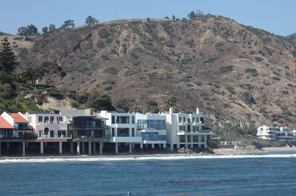 Malibu Beach Homes - Z... Michelle Williams Singer
