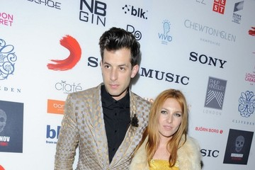 Mark Ronson Celebs at the Warner Music Party — Part 2